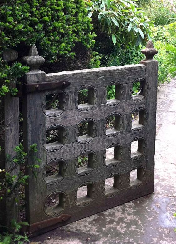Garden gate ideas and garden inspiration: an oak gate in Arts & Crafts style. #gardengate #gardenideas #rustic #landscapeideas