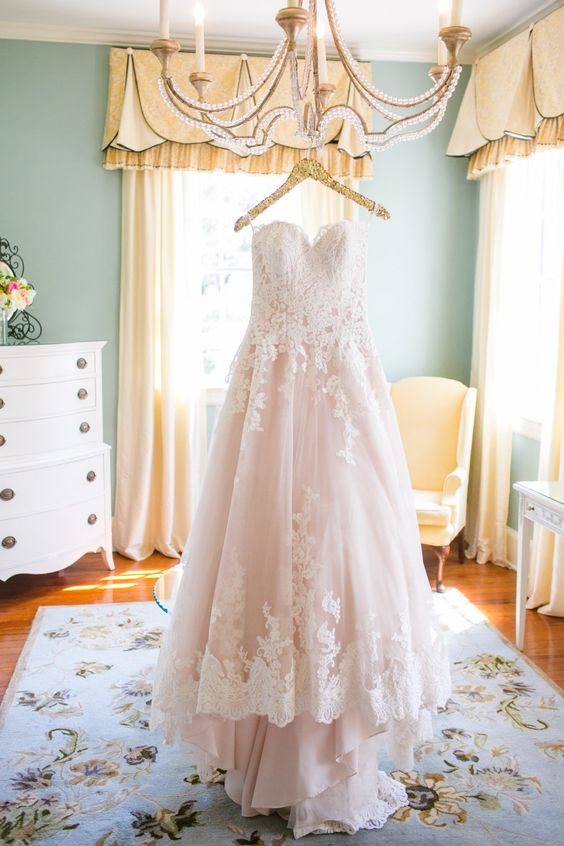 Blush & lace wedding dress | Photography: Dana Cubbage Weddings - danacubbageweddings.com: