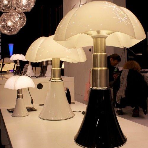 La cultissime lampe Pipistrello existe désormais en version mini ...