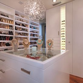 What a dream closet love how the top of the dresser for Closet island with glass top
