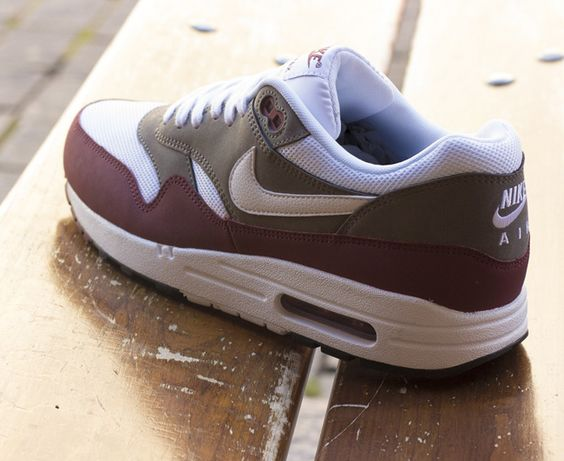 Outlet ugre8 bb72bc August Deals Nike Air Max 1 Mens