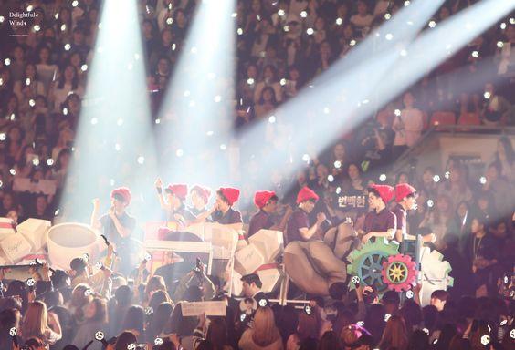 EXO  Credit: 바람불어도.