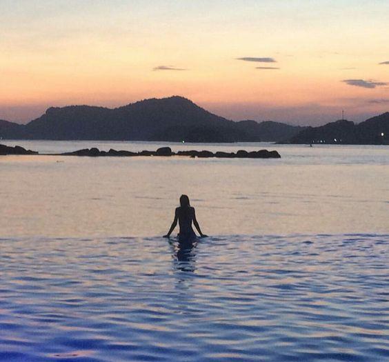O mar em Angra dos Reis no estado do Rio de Janeiro é maravilhoso ⚓🌊