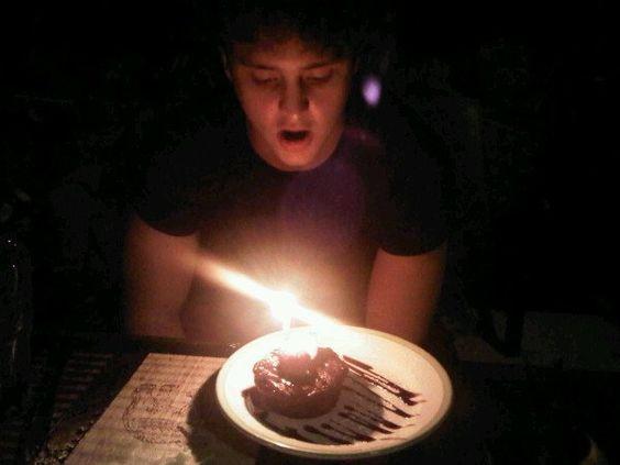Christopher Uckermann comemorando seu aniversário (21.10.10) - 001 - RBD Fotos…