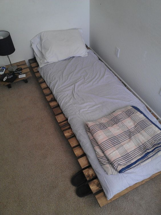 Homemade beds Japanese futon and Futons on Pinterest