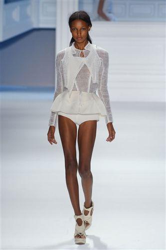 Vera Wang Spring 2012 #fashion #runway