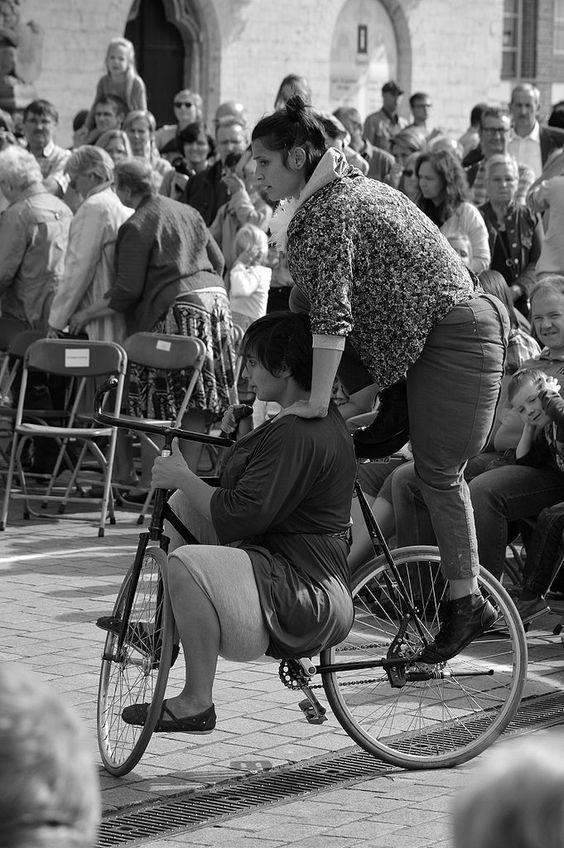 https://flic.kr/p/BTofFu | BoulevArt Dendermonde 2015 - Compagnie RasOterrA - 19 | Pictures taken by Björn Roose: streetphotography.
