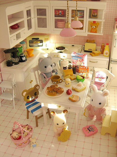 Kids having breakfast by Jemppu M, via Flickr: