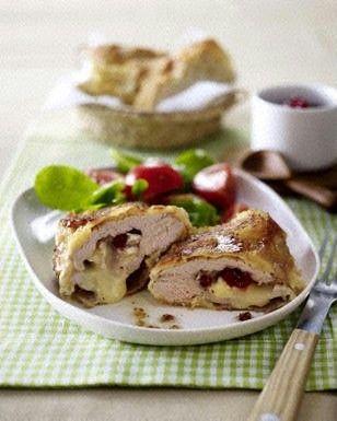 Gefülltes Schweineschnitzel mit Camembert und Preiselbeeren