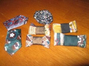 Accessories from upcycled neckties