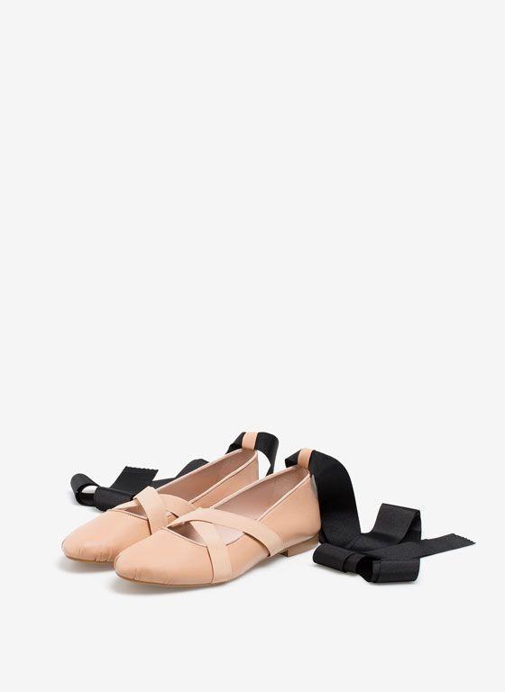 Haben Sie die neue Uterqüe-Kollektion gesehen? Wir zeigen Ihnen unsere neuestenDesigns aus den Bereichen Kleidung, Handtaschen, Accessoires und Schuhe.