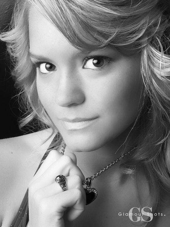 A beautiful black and white portrait! #GlamourShots