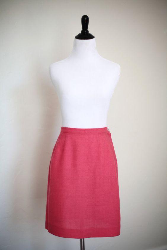 Vintage années 1950/1960 corail rose crayon jupe. Excellents vintage condition-pas les défauts à noter. La seule chose à noter est autrement