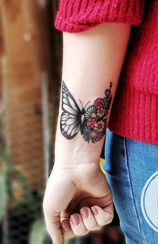 46 Beautiful And Cute Butterfly Tattoo Designs To Get That Charm 2019 Part Butterfly Ta Butterfly Tattoos For Women Wrist Tattoos For Women Tattoos For Women