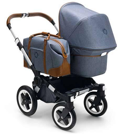 La edición especial de Bugaboo Donkey Weekender es un elegante cochecito con un diseño innovador que incluye un bolso lateral para llevar a mano todo lo necesario para los cuidados del bebé.