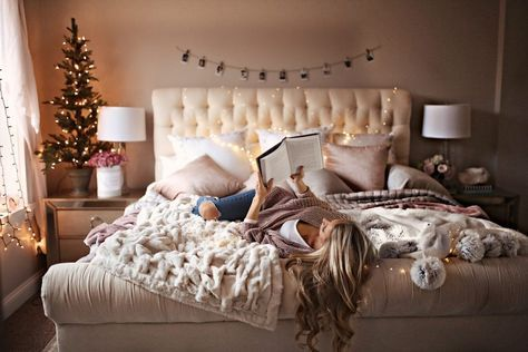 7 Holiday Decor Ideas for Your Bedroom - Welcome to Olivia Rink