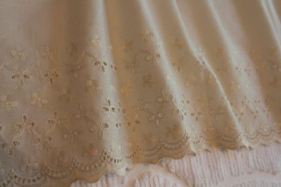 vintage lace bed skirts | Vintage Bed Skirt - Eyelet Ruffle - Cream Ecru - Cottage Style - Queen ...