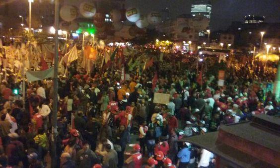 """""""@HadadTranquilao: Lembra aquela meta não estipulada? Triplicou. #BrasilDaDemocracia """""""