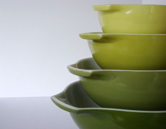 Vintage Pyrex Verde Cinderella Bowl Set