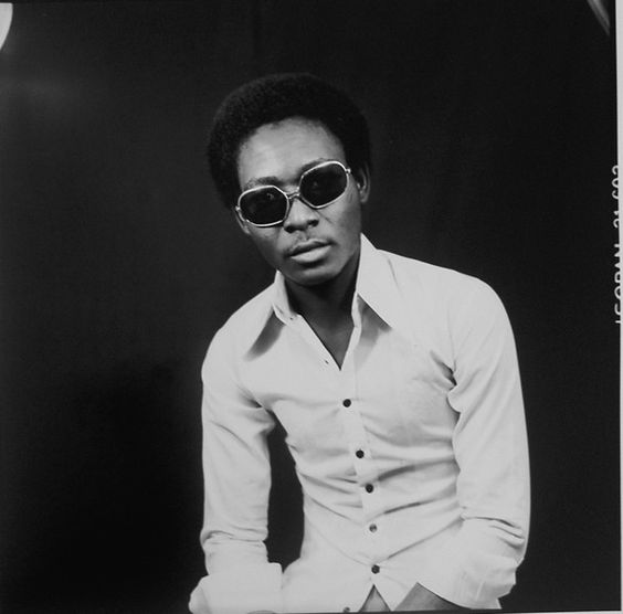 African Photographer Malick Sidibé chronicled the exuberant life of the young…