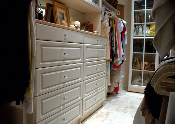 #bellasystemsphilly #customclosets #designerclosets #closetorganizer #closets #walkinclosets #interiordesign #interior #design #homedecor #homedecorating #homedecoration #antique #space #organized #clothes #shoes