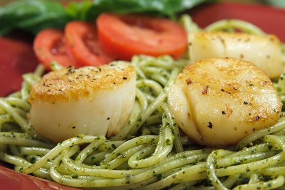 Pan seared scallops with linguine al pesto, the perfect summertime meal!