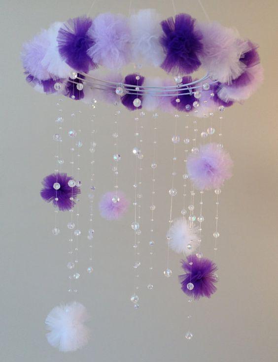 kristall baby mobil purple baby mobil pom pom mobil baby mobile baby m dchen mobil. Black Bedroom Furniture Sets. Home Design Ideas