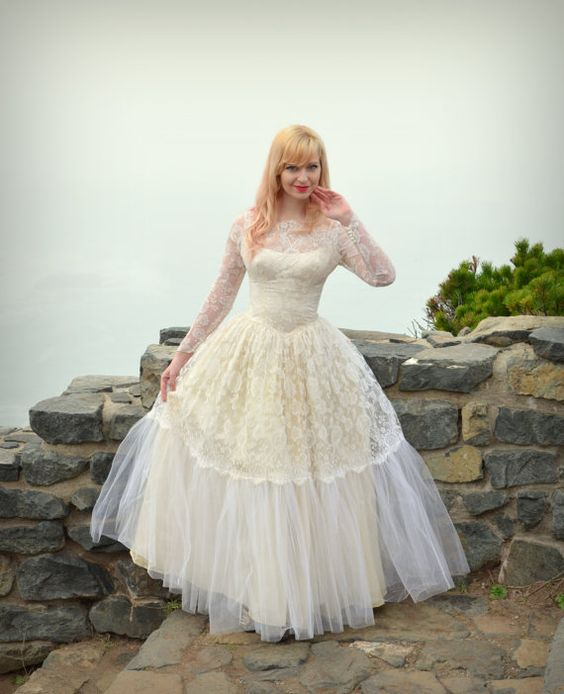 Vintage+50s+Wedding+Dress+Lace+Satin+and+Tulle+by+DaintyRascal,+$325.00
