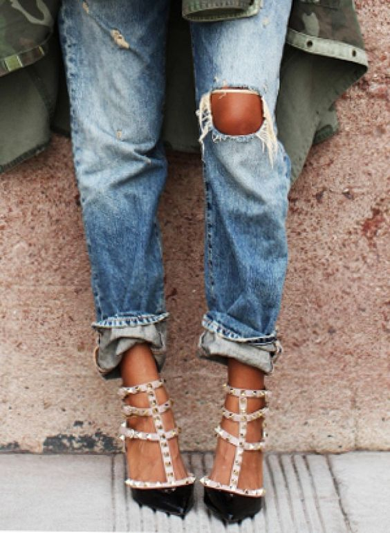 """<p>Cool cuffed jeans are one of those seemingly effortless tricks—like rolling your sleeves the<a href=""""http://www.whowhatwear.com/five-steps-to-cuffing-your-sleeves-jcrew-style"""" target=""""_blank"""" title=""""J.Crew way"""">J.Crew way</a>or doing the<a href=""""http://www.whowhatwear.com/instant-chic-half-tuck"""" target=""""_blank"""" title=""""half tuck"""">half tuck</a>—that all the fashion girls seem to know. Word to the wise: it's easier than you might think, especially if you have our easy secrets.</p>"""