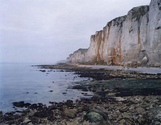Jem SOUTHAM (1950), Senneville-sur-Fécamp, série « The Rockefalls of Normandy », 2007, photographie couleur. © MuMa Le Havre / Jem Southam