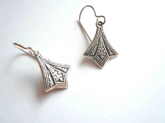 Pequeños aretes de plata victorianas pendientes Art deco pequeñas pendientes  Plata Antiqued esterlina cuelga poco plata