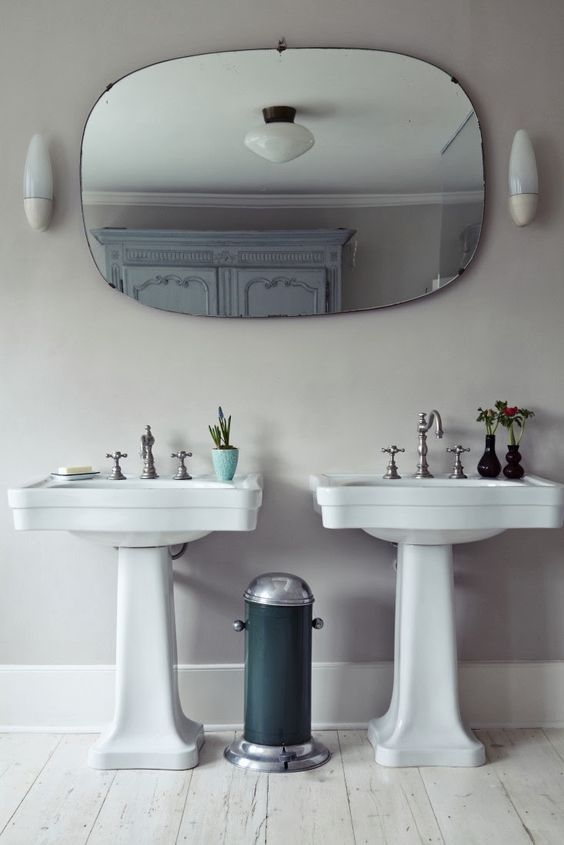 Reforma ba o estilo cl sico lavabos con pedestal espejo de forma circular armario restaurado - Espejos para lavabos ...