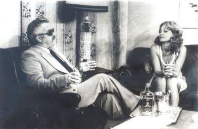 """Claudio Corrêa e Castro interpreta o ambicioso Virgílio Assunção e Eva Wilma faz as gêmeas Ruth e Raquel na primeira versão de """"Mulheres de Areia"""", em 1973."""