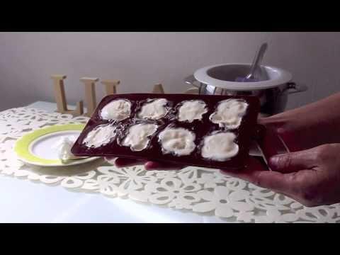 Lilac's kitchen ~ Chocolate Ice-cream Moon Cake - YouTube