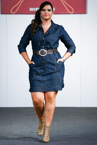 Denim button-up dress with wide belt and sexy strapped sandals