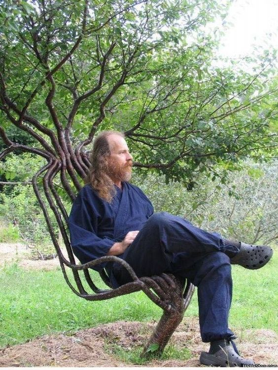 Tree chair! o my goodness!!! I Love this!