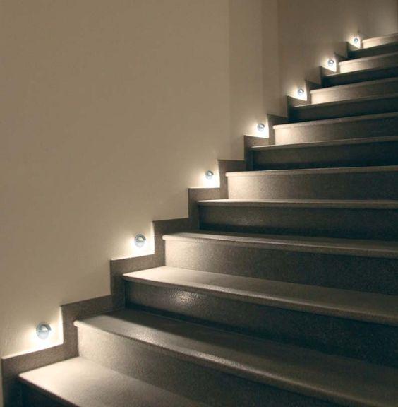 Iluminaci n t cnica para exterior e interior con luz led - Soluciones escaleras poco espacio ...