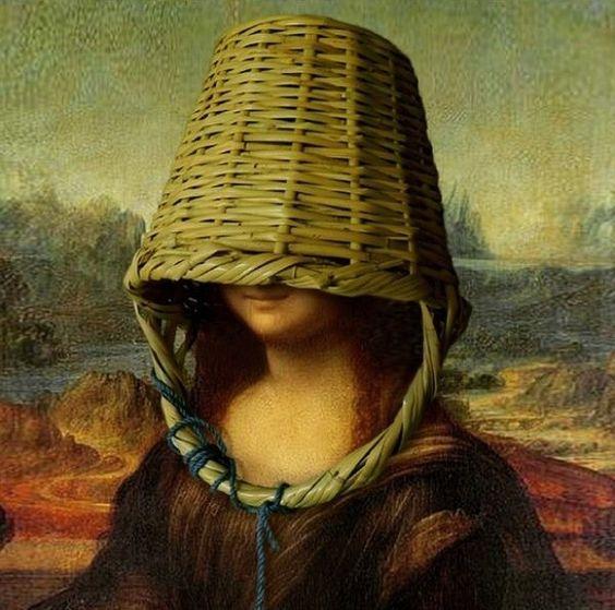 Mona con cesta