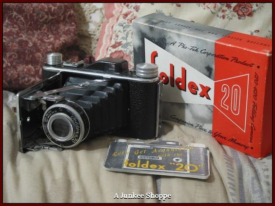 FOLDEX 20 Folding Camera by Pho Tak Co in Box With Original Film In It  IMG 3839 http://ajunkeeshoppe.blogspot.com/