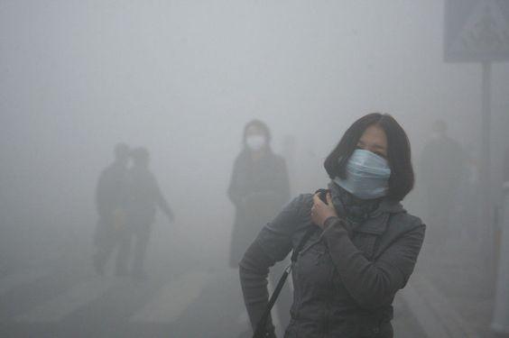 El smog en China es muy malo para las personas y no es aire puro.
