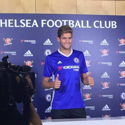 Chelsea sign Marcus Alonso..