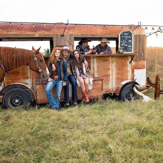 Retro + Western ~ Savannah Sevens Style :v::heart::ox: