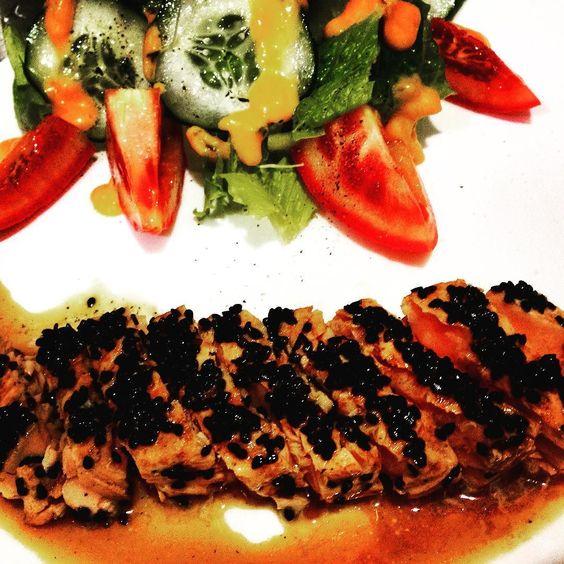 #tataki de #salmón #Japón #CasaVittoria #PastaMaker #LuckyLounge #Vintage #Kitsch #Campeche #dondecomerencampeche by casa__vittoria