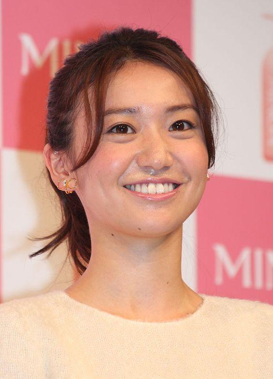 満面の笑顔の大島優子