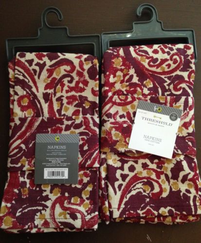 NWT Threshold™ Paisely Printed Napkin Set of 4 - Red