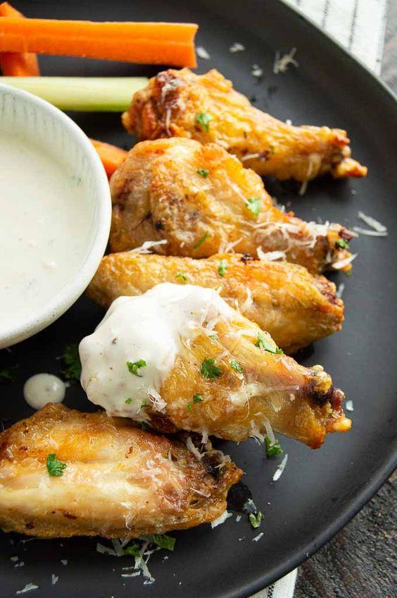 Easy Garlic Parmesan Chicken Wings