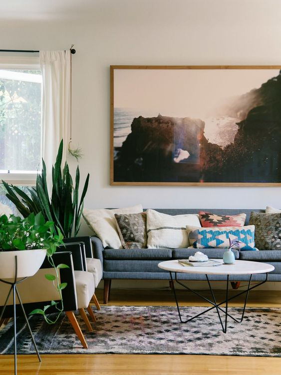 Earthy & modern living room | via Old Brand New: