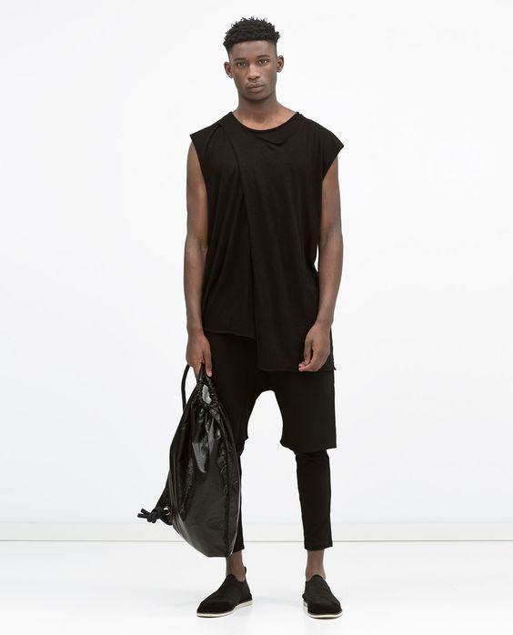 Bild 1 von Ärmelloses Shirt Dark von Zara