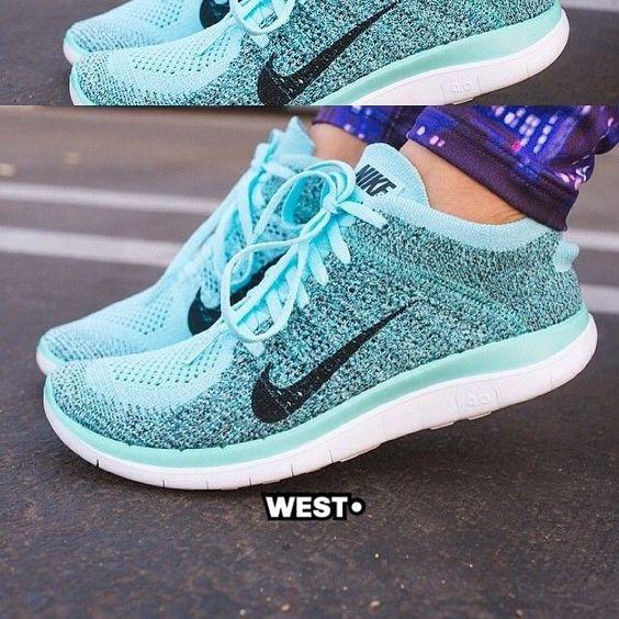 blue nike womens running shoes
