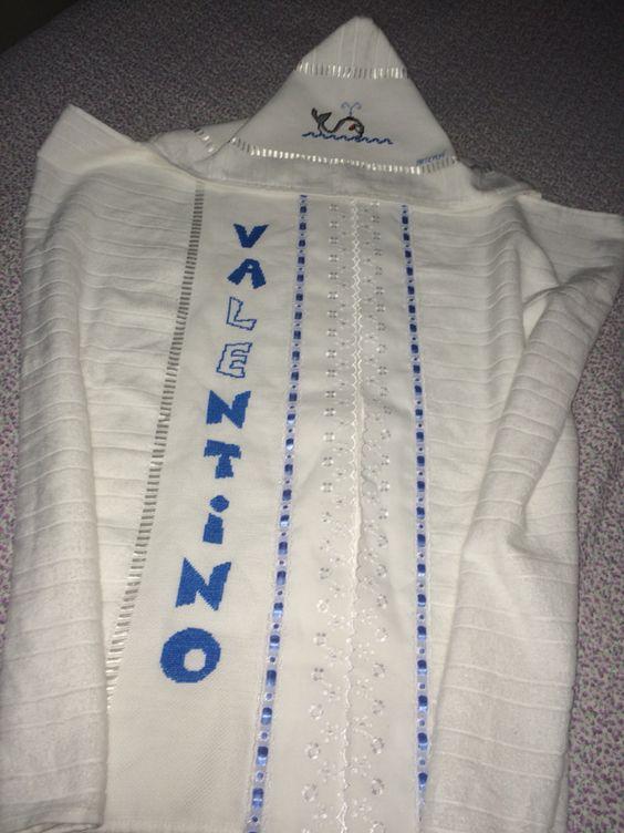 Toalha de capuz para o Valentino, encomenda da Núbia.
